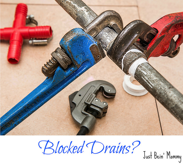 How is it possible that a plumber knows what is blocking a drain?